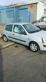 Renault clio 1.2 8v