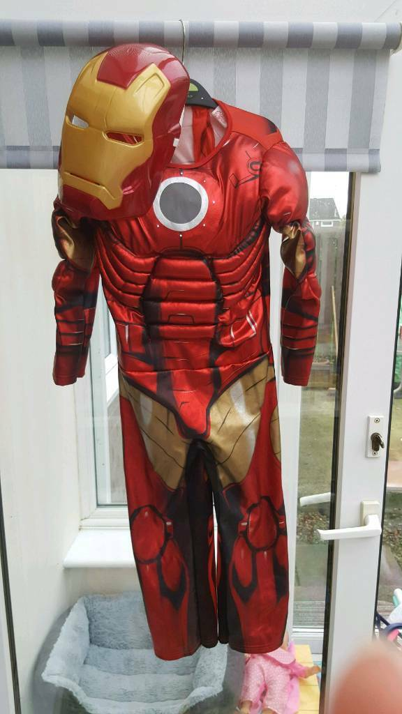 Superhero Dress up!
