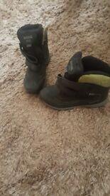 Boys Regatta walking boots