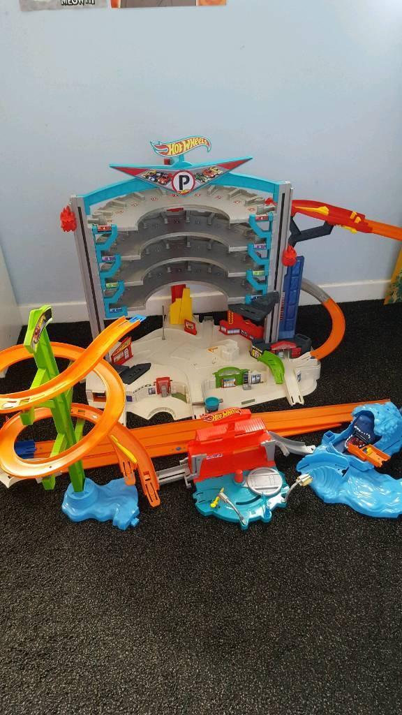 Hotwheels Ultimate Garage