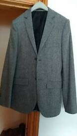 Slimline tweed effect light grey mens suit size small slimfit .