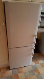 FRIDGE FREEZER - WHITE - make: LIEBHERR