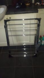 high quality laundry airer never used