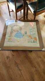 Crimolein lady tapestry table