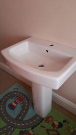 Bathroom Sink/basin. Nearly like new.