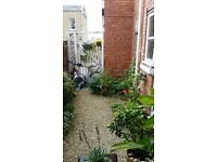 [LET, STC] NO FEES. 1-Bed, Character Flat, Taunton, small private courtyard garden, available now.