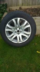 Land Rover alloy wheel and tyreFreelander