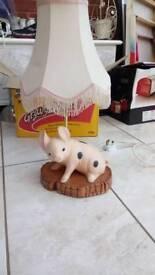 Piggy bed side lamp
