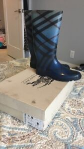 Authentic Burberry ladies Rain boots size 41 EUR