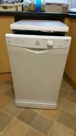 Dischwasher Indesit IDS 105 , 45 cm wide.