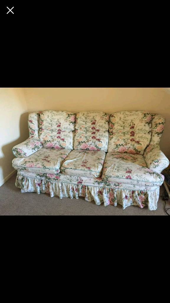 3 Sofa Bed And 2 Armchairs Set