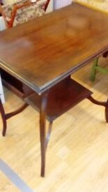 Dark wood vintage side table in good condition