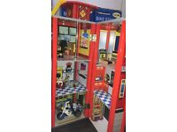 Lovely ELC Wooden Fire station and accessories in excellent condition.