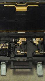 Dewalt twin set DCK235C2