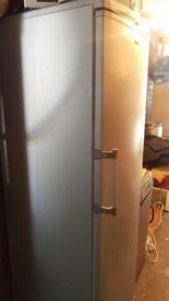 HOTPOINT RLM80 REFRIGERATOR WITH MICROBAN
