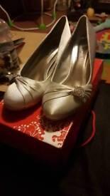Size 5 Silver Shoes Kitten Heel