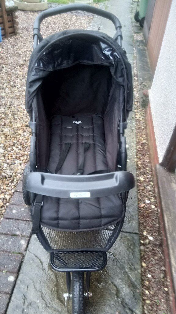 graco strollerin Tuffley, Gloucestershire - three wheeler graco stroller, with cosy toes in good condition& drinks holder