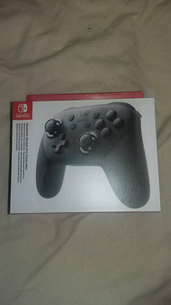 Boxed Switch Pro Controller