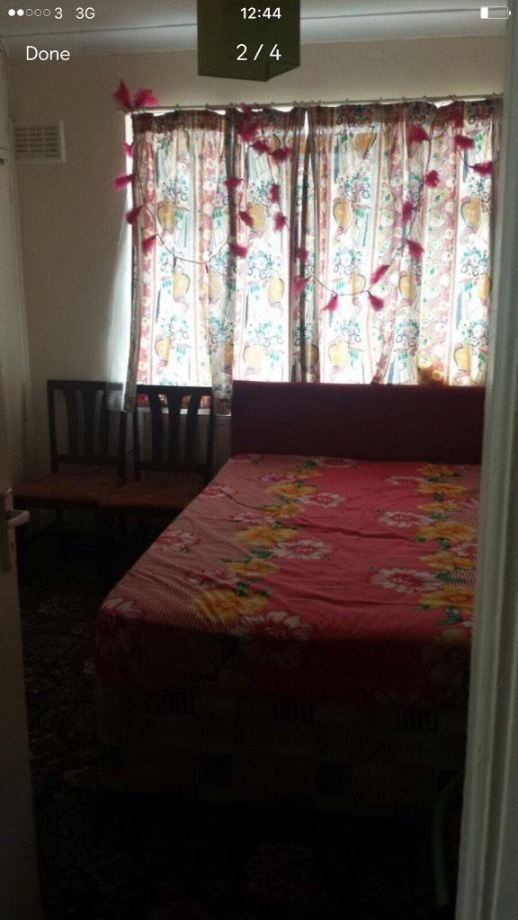 Furnished room to rent with good storage