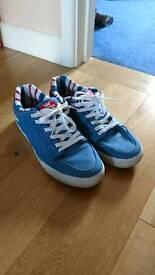 Supra skate shoes like NEW. Uk9 uk 9