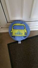 Round cushion never been used