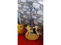 Epiphone Dot semi accustic , new condition , Blonde ,,