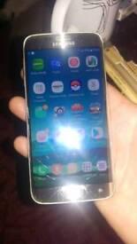 Samsung galaxy s6 edge on three cracked glass