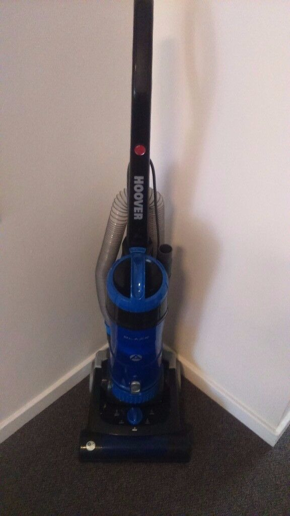 HOOVER BLAZE BAGLESS UPRIGHT VACUUM CLEANER
