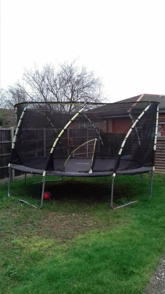 14' used whirlwind trampoline £85 , buyer to collect, contact Daren on 07488344265