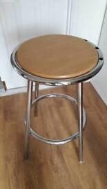 Free bar/kitchen stool
