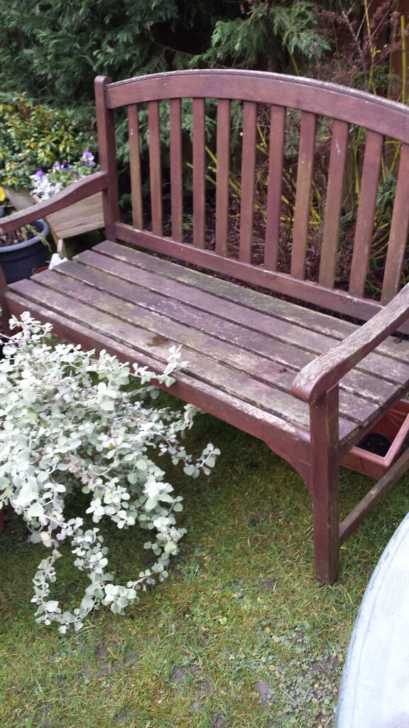 Sturdy Solid Wooden Bench Good Condition Good Nearest