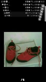 Womens trainners size 5