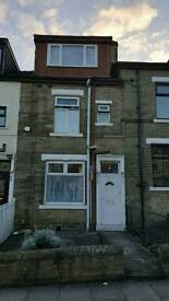 4 bedroom terrace TO LET Rugby Place BD7
