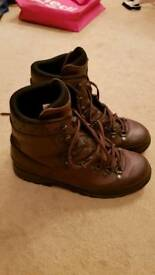Lowa patrol boot brown 10.5