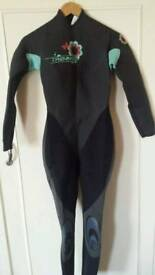 Full lenghtTribord ladies wetsuit size 12