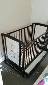 Baby cot bed with drawer