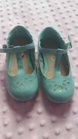 green girls shoes, size 6