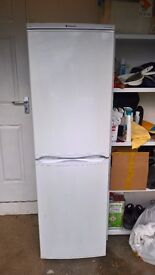 FRIDGE FREEZER. HOT POINT FRIDGE FREEZER.