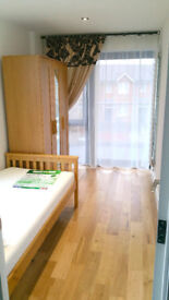 LIGHT two single rooms in perfect location, zone 2, All bills included