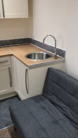 PE2 DoubleRoom with ensuite & kitchenette in a shared house in Fletton. All bills & Wifi included