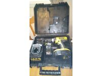 Lightly used Dewalt DC725 cordless 18 v drill set, GWO. See photos & details