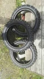 Motocross tyres