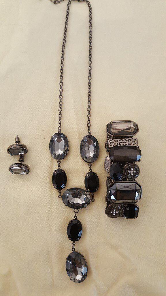 Various beautiful jewellerey