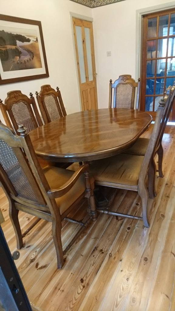 Antique style dinning suite
