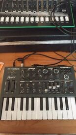 Arturia microbrute analog Synthesizer synth