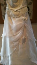 Cream Wedding Dress with accessories as per pictures Size 12-14