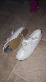 White tap shoes size 13