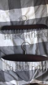 Accessorie/belt hangers