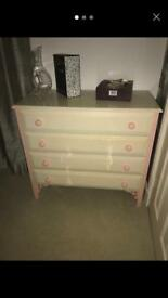 Chester Drawer table