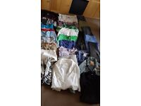 WOMAN BUNDLE CLOTHES SIZE 8-10 ( 30 clothes)